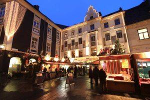 Adventmarkt am Glockenspielplatz in Graz