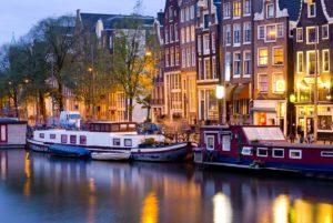 Amsterdam bei Naht
