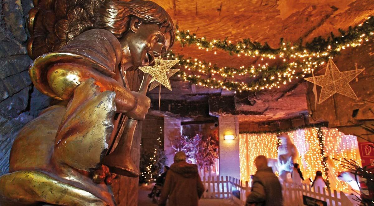 weihnachtsmarkt in der grotte gemeentegrot in valkenburg. Black Bedroom Furniture Sets. Home Design Ideas