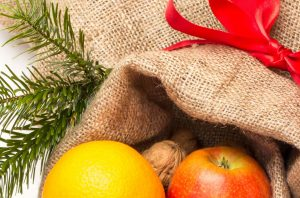 Sack mit Früchten