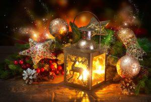 Laterne im weihnachtlichen Licht