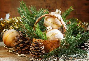 Weihnachtsmotiv mit Zweigen